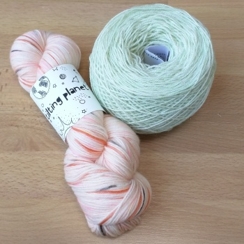 Shawl plans: Tilting Planet in Papaya, Stressknits in Refresh